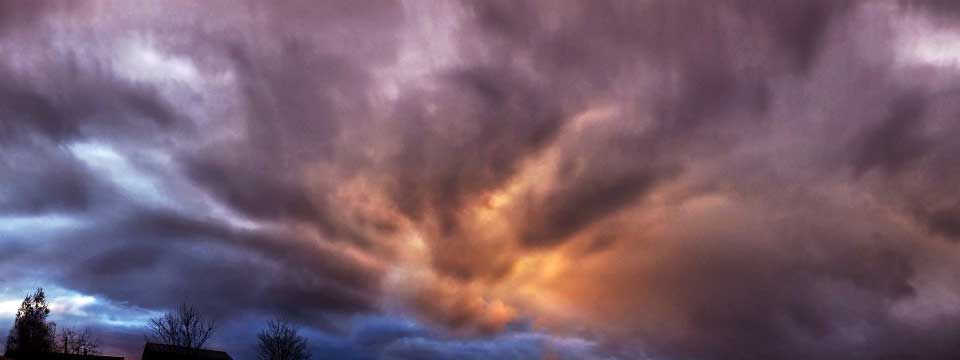 Clouds free html gallery