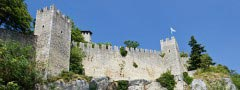 Castle wall css3 photo slideshow
