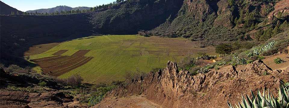 Crater, Gran Canaria javascript image slider